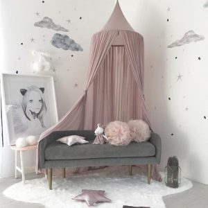 Over bed net canopy in pink
