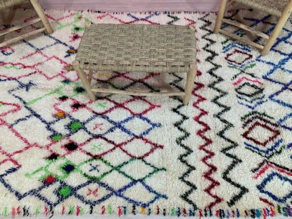 Amira Geometric Rug top view with table on top