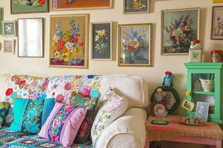Nostalgia Granny Chic trend featuring crocheted blanket, floral artwork and cushions