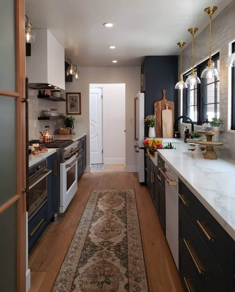 After renovation. Inviting galley kitchen - Kismet House