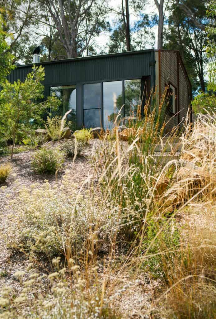 Shed house in Daylesford, Victoria by DP Toscano Architects exterior.