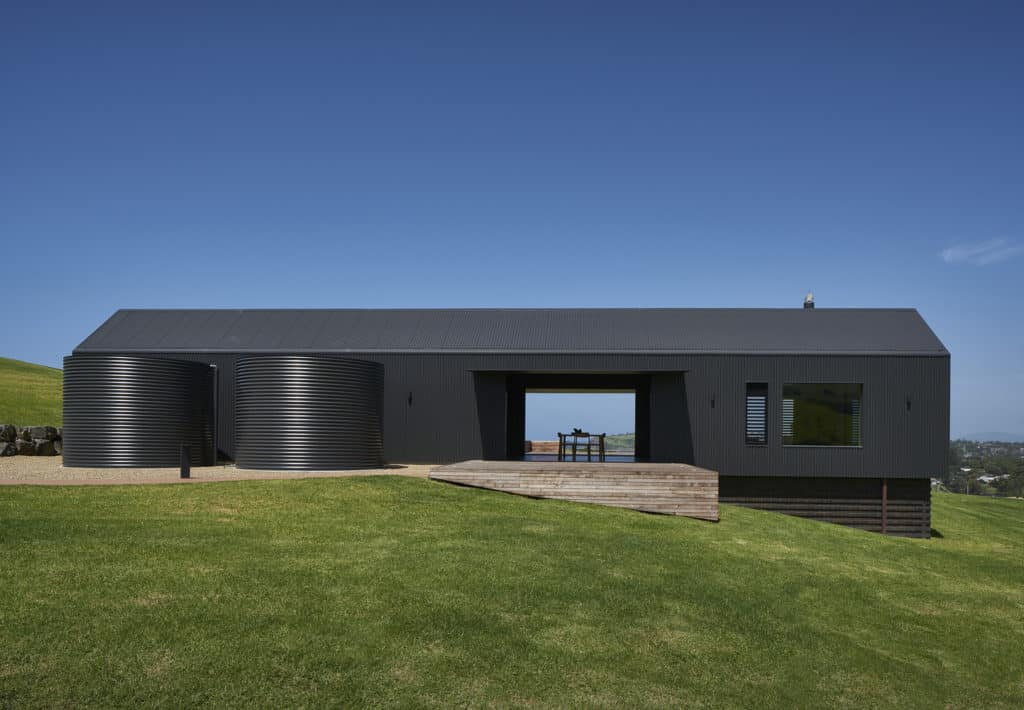 Escarpment House by Atelier Andy Carson front elevation