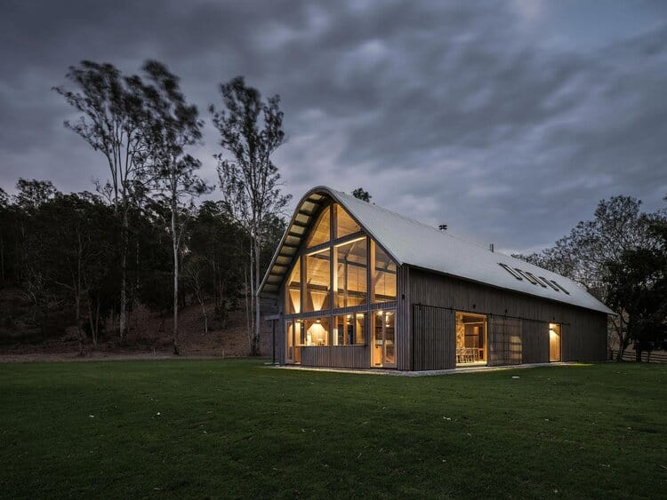 Exterior - Paul Uhlmann Architects - The Barn - Pullenvale, Queensland, 2019